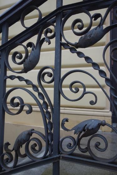 Decorative balustrade at Nożyk Synagogue