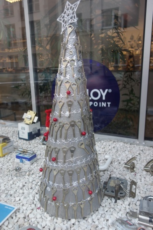 Christmas tree at the key-cutters
